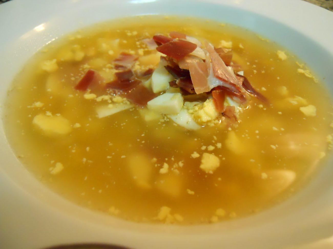 Sopa Caldosa de Jamón con Guarnición