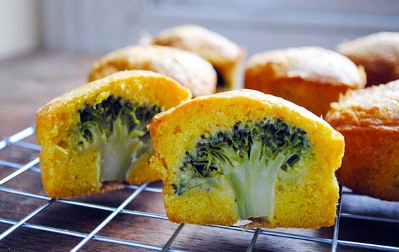 Magdalenas de brócoli BLW