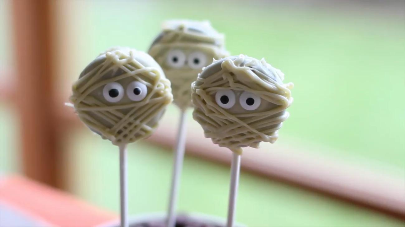 Piruletas de momia para Halloween