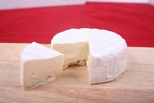 Tapa con queso Brie y mermelada