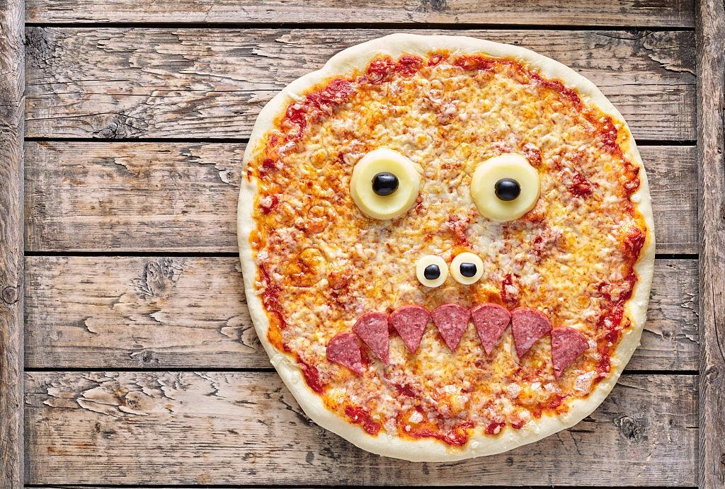pizza para niños con ojos