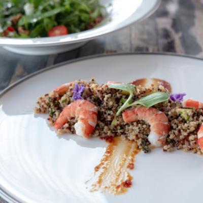 quinoa con verduras y gambas