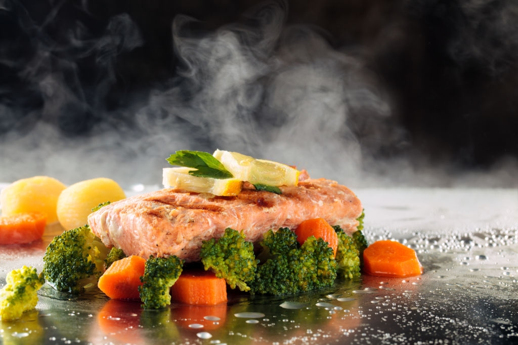 cocinar pescado al vapor