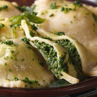 Ravioles de espinaca y queso
