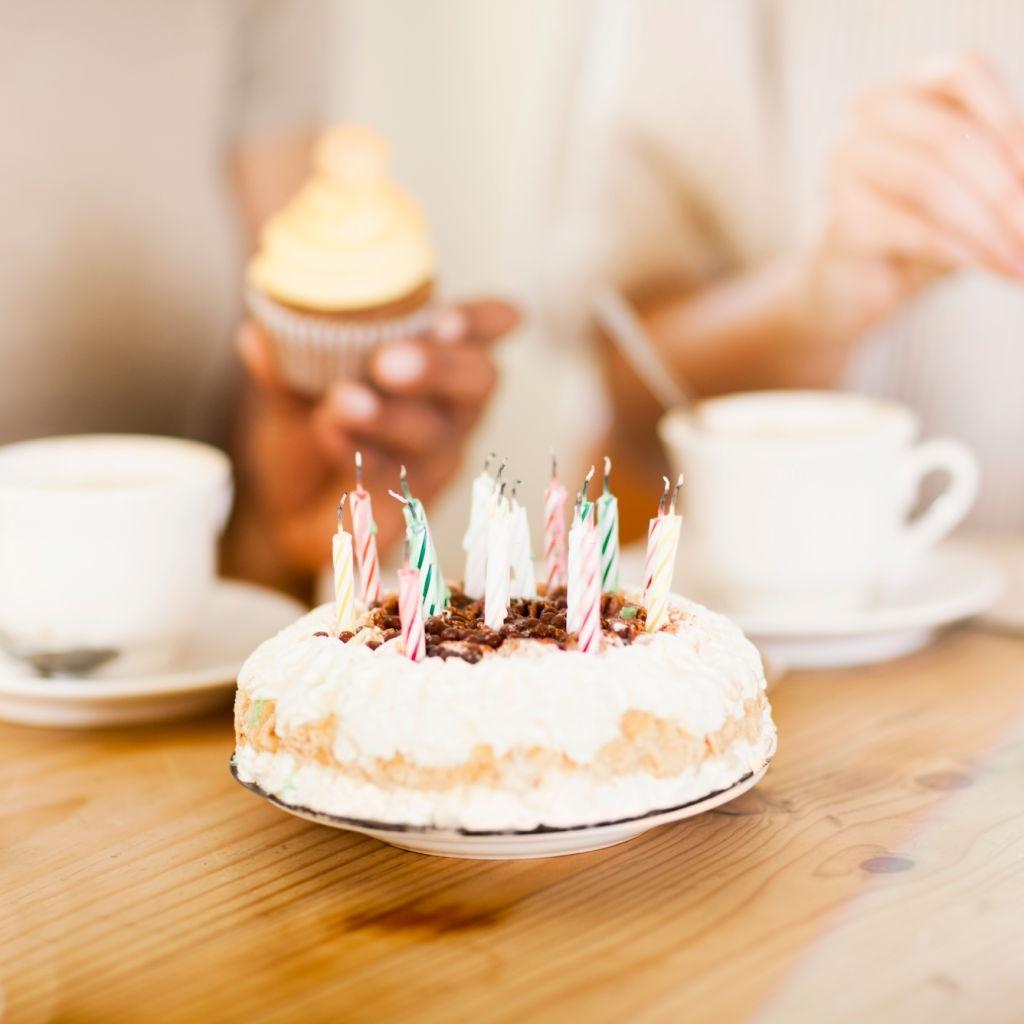 Tarta de cumpleaños para desayunar