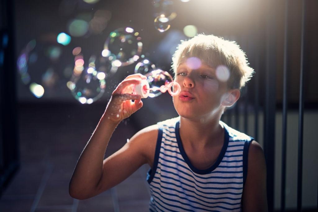 ¿Cómo hacer Pompas de Jabón Caseras? | 🧼 Burbujas gigantes y resistentes