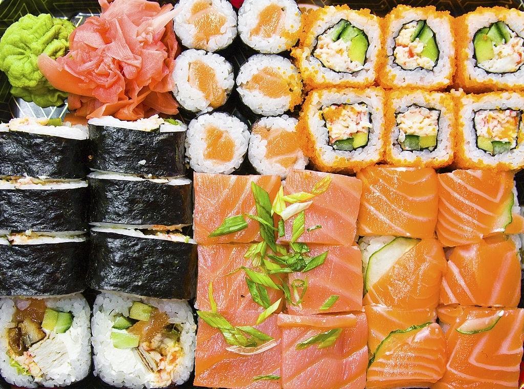 Cómo hacer Sushi | 🍣 Recetas, Utensilios, Variedades