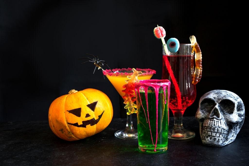 Bebidas y Cócteles para Halloween | 🍸🩸Brebajes y Chupitos con y sin Alcohol