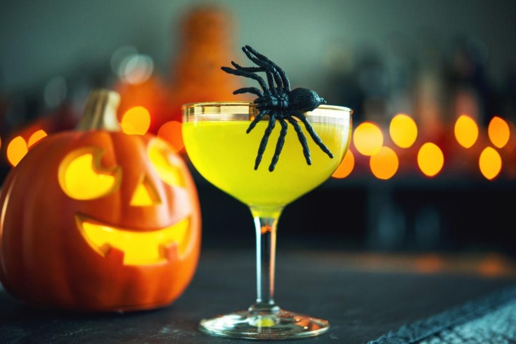 Cóctel de Halloween con Gominolas
