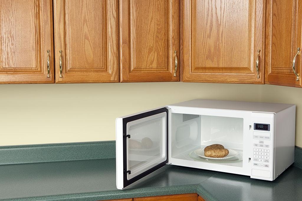 Patatas asadas al microondas