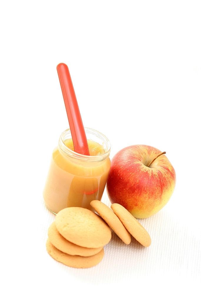 Potito de frutas y galletas