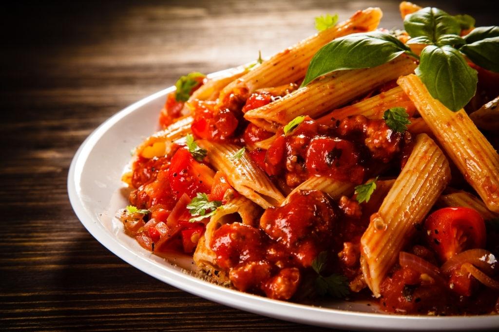 Macarrones con tomate 🍝 para 2 personas 🧑🤝🧑 estilo Italiano  🇮🇹