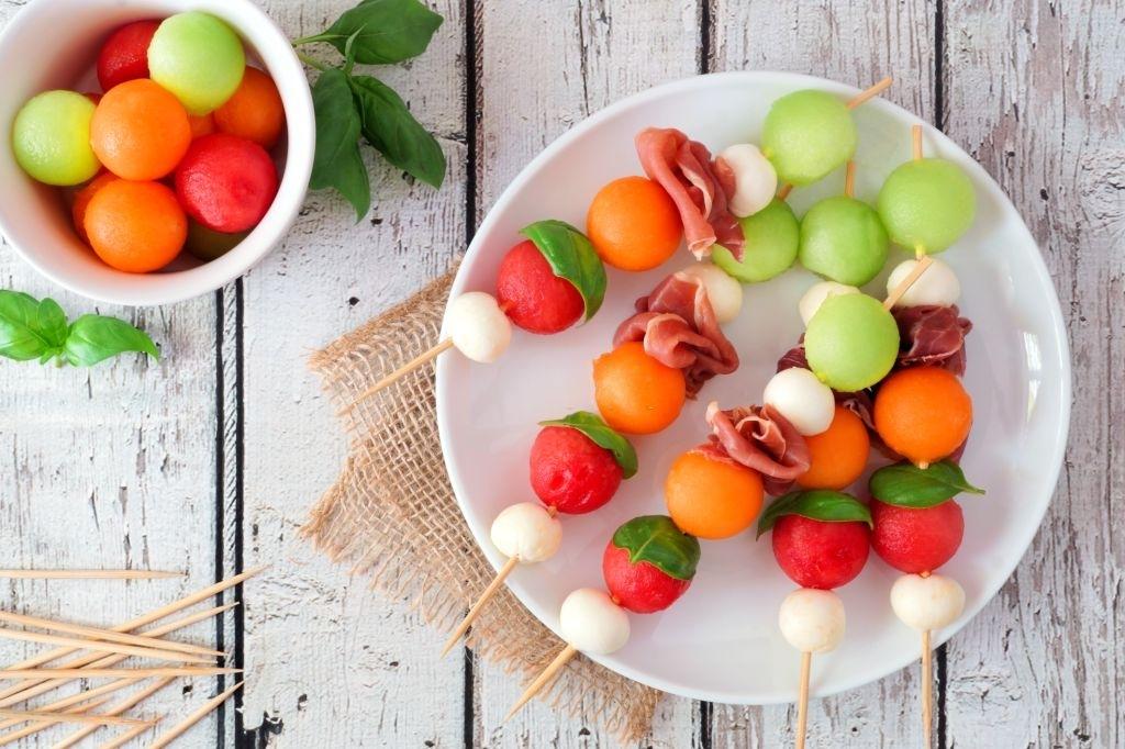 pincho bolas de fruta