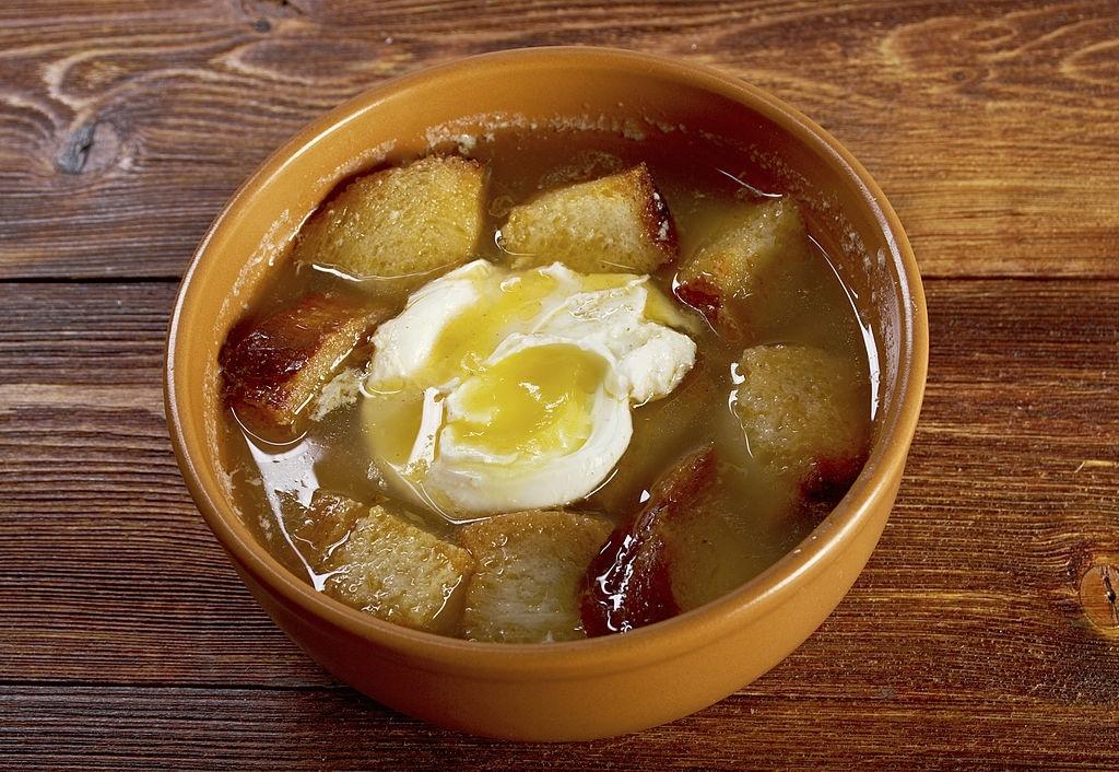 Sopa caldosa de jamón para niños