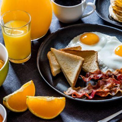 desayuno americano completo