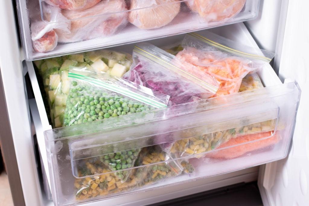 Surtido de alimentos congelados