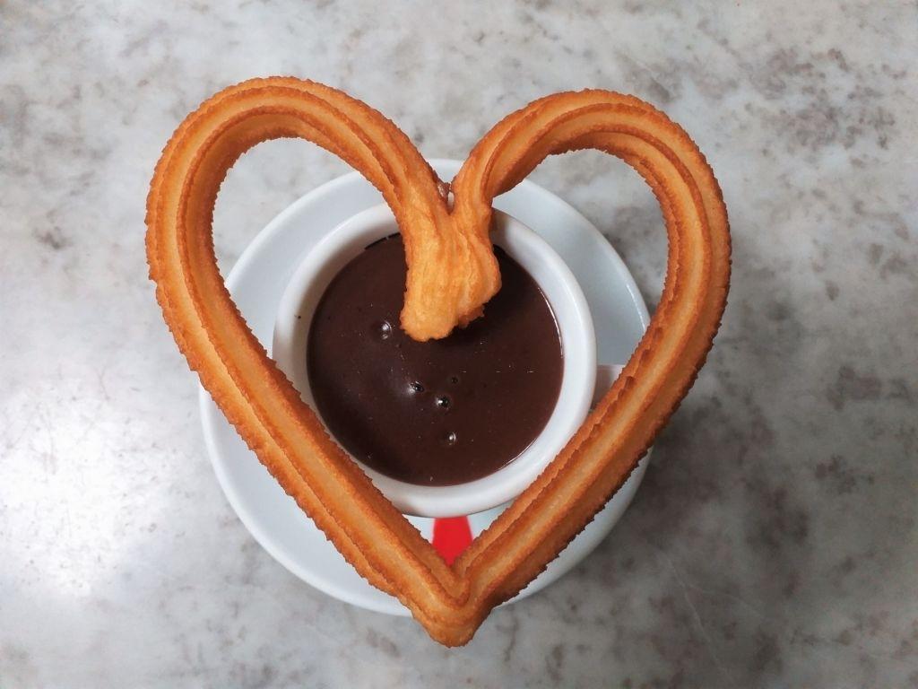Churros con chocolate para un desayuno de San Valentín