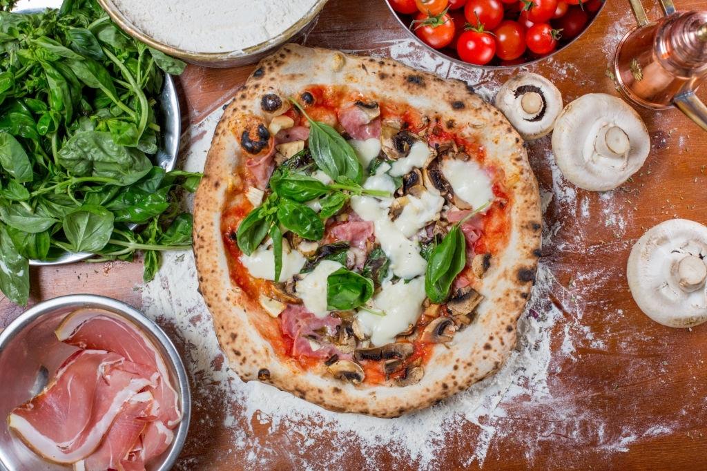 Pizza Caprichosa Italiana (Capricciosa)
