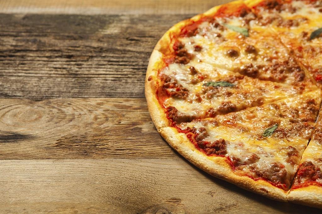 Pizza Boloñesa Casera 🍕 | 🇮🇹 RECETA ITALIANA