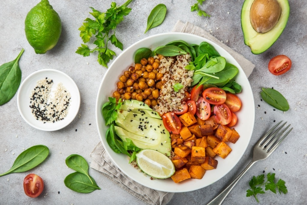 5 Recetas de Ensaladas VEGANAS 🥗 ¡Riquísimas y Proteicas!