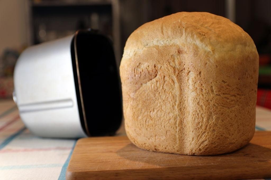 ¿Cómo hacer pan en una panificadora?