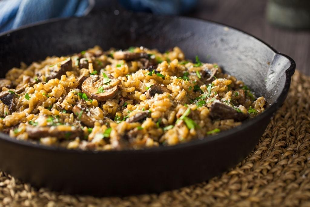 Risotto Vegano 🌱 ¡De Setas! 🍄 Fácil y Muy Cremoso